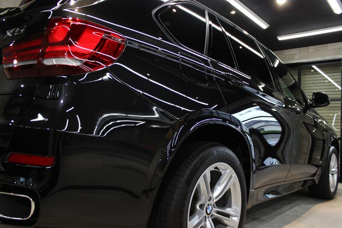BMW X5 xDrive35d Mスポーツ ブラックサファイア テールレンズ