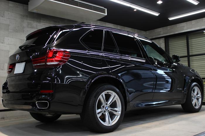 BMW X5 xDrive35d Mスポーツ ブラックサファイア マフラー