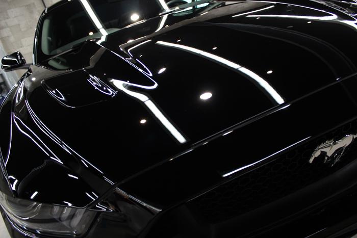 フォード マスタング ブラック ボンネット2