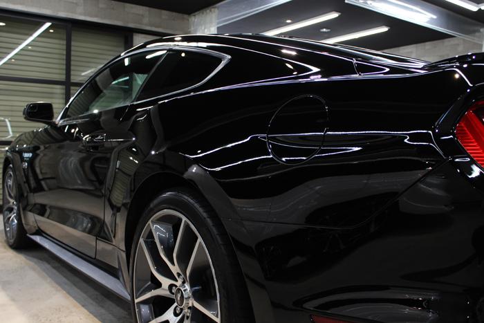 フォード マスタング ブラック トランク2