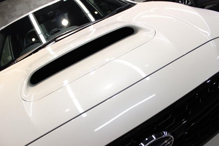 スバル WRX STI クリスタルホワイトパール ボンネット