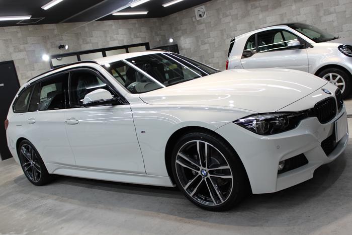 BMW 320d Mスポーツ エディションシャドー アルピンホワイト ホイール1