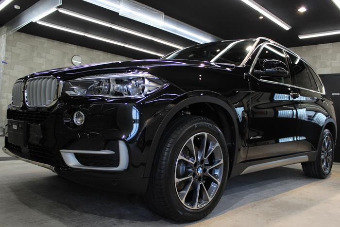 BMW X5 xDrive35d ブラックサファイア 左ホイール