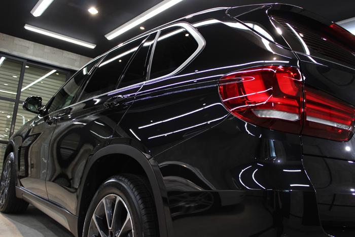 BMW X5 xDrive35d ブラックサファイア テールライト