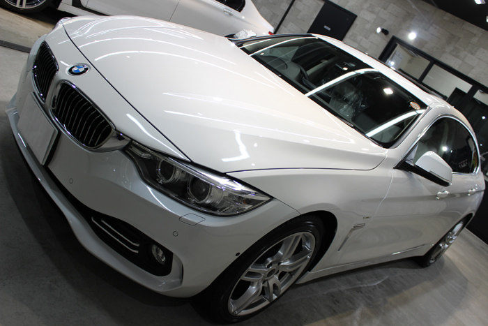 BMW 420i グランクーペ ラグジュアリー ミネラルホワイト ボンネット1