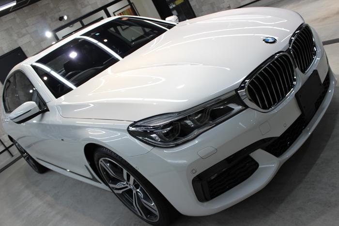 BMW 740i Mスポーツ ミネラルホワイト ボンネット1