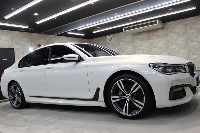 BMW 740i Mスポーツ ミネラルホワイト 右ホイール