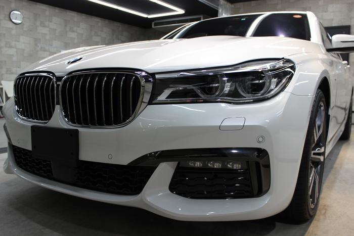 BMW 740i Mスポーツ ミネラルホワイト ヘッドライト2