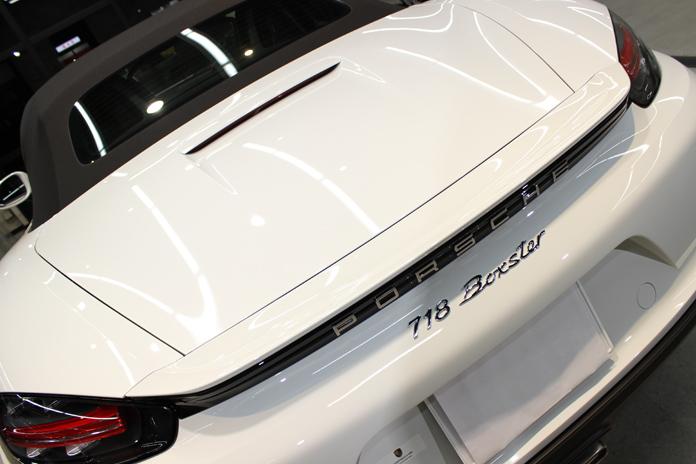 ポルシェ 718 ボクスター ホワイト トランク