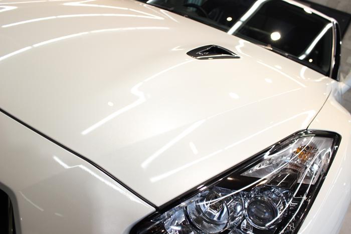 日産 GT-R ブリリアントホワイトパール ヘッドライト