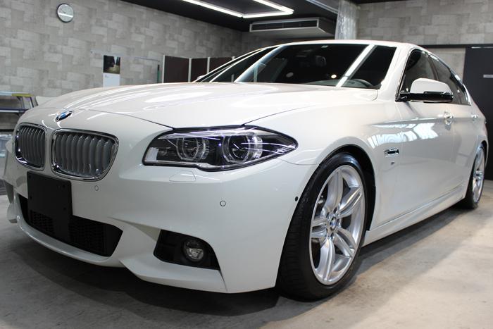 BMW 535i Mスポーツ アルピンホワイト フロントバンパー1