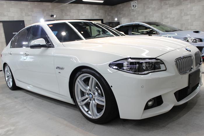 BMW 535i Mスポーツ アルピンホワイト 右ホイール