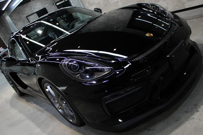 ポルシェ ケイマン GT4 ブラック ボンネット1