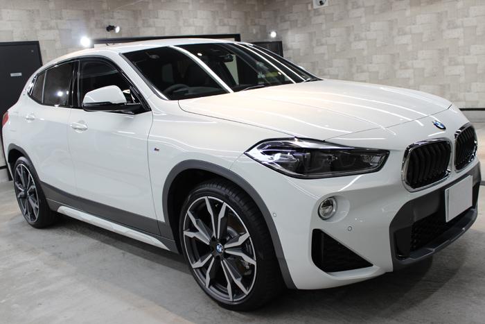 BMW X2 MスポーツX アルピンホワイト 右フェンダー