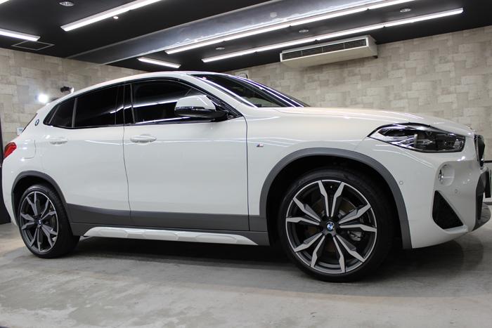 BMW X2 MスポーツX アルピンホワイト 右ホイール