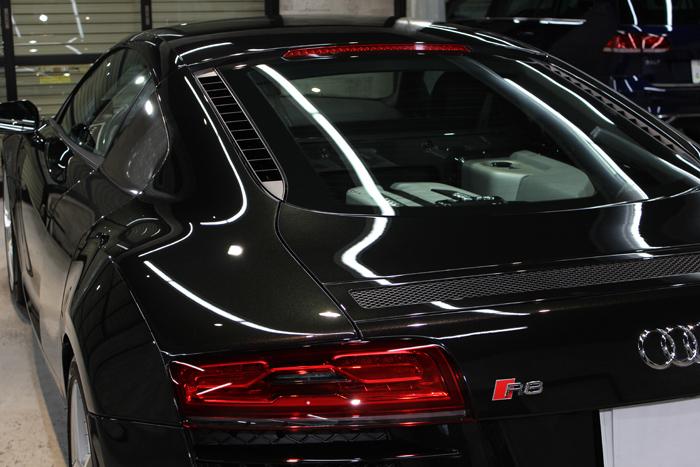 アウディ R8 パンサーブラッククリスタルエフェクト ミッドシップエンジン