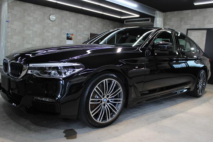 BMW 530i Mスポーツ ブラックサファイア ホイール左