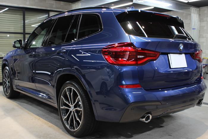 BMW X3 ファイトニックブルー バックゲート