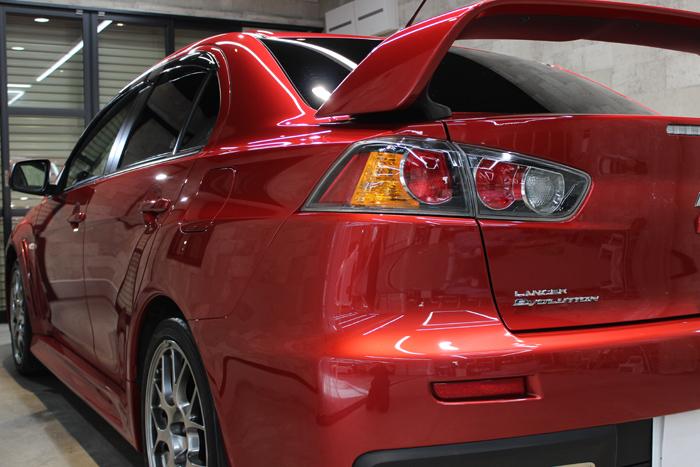 三菱 ランサーエボリューションX レッドメタリック テールレンズ