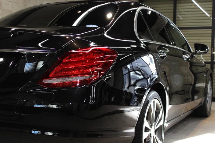 メルセデスベンツ C350e オプシディアンブラック テールライト