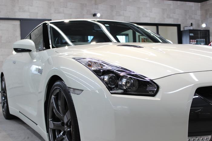 日産 GT-R R35 ホワイトパール ヘッドライト右