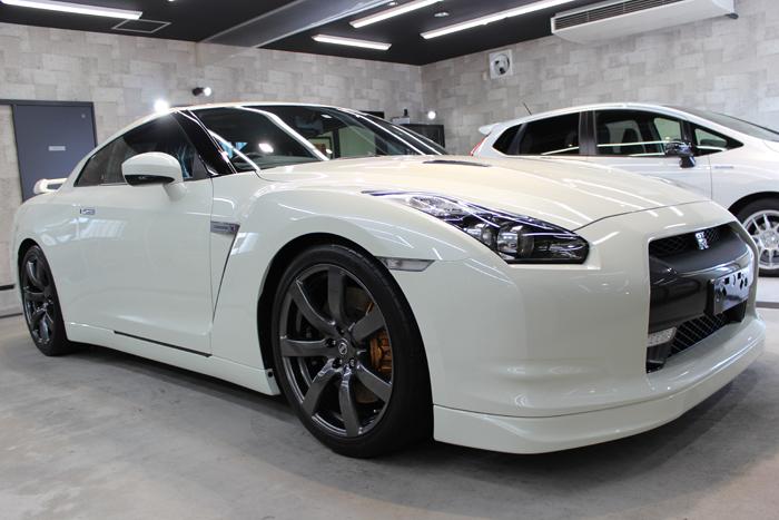 日産 GT-R R35 ホワイトパール ホイール右