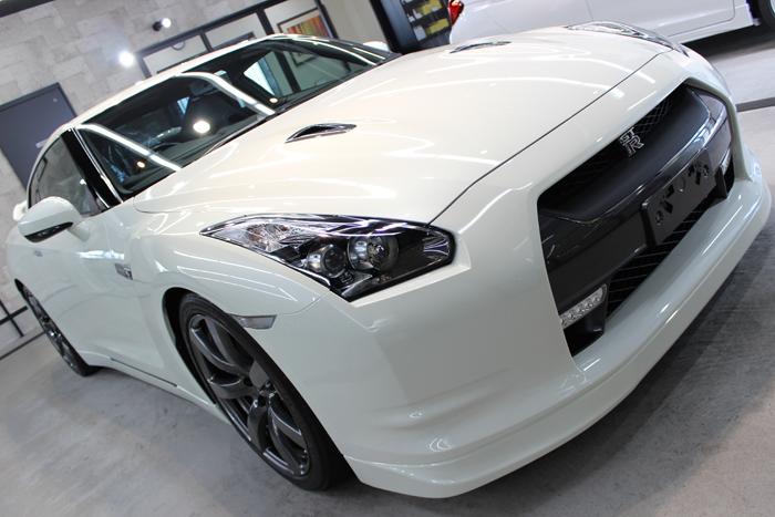 日産 GT-R R35 ホワイトパール ボンネット右
