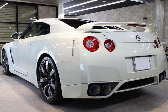 日産 GT-R R35 ホワイトパール リアバンパー