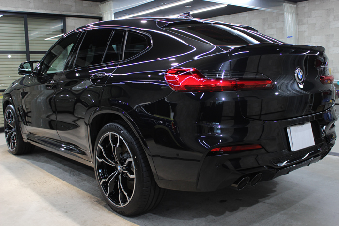 BMW X4 Mコンペティション ブラックサファイア リアバンパー