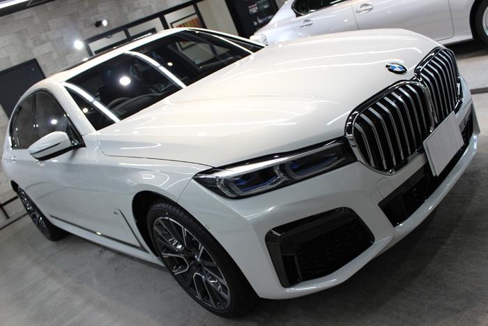 BMW 740d Mスポーツ ミネラルホワイト ボンネット右