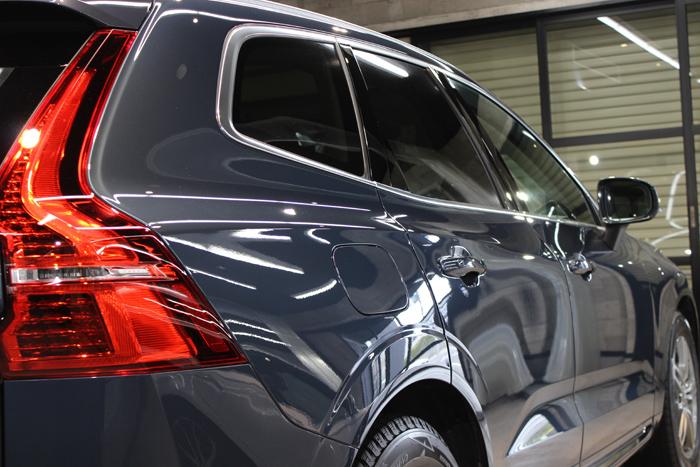 ボルボ XC60 デニムブルーメタリック 右ドア