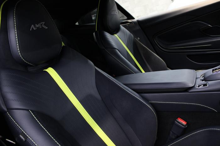 アストンマーティン DB11 AMRシグネチャーエディション スターリンググリーン シートコーティング 運転席