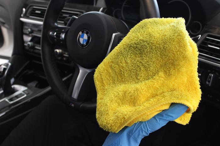 BMW 640iグランクーペ アルピンホワイト ステアリング クリーニング
