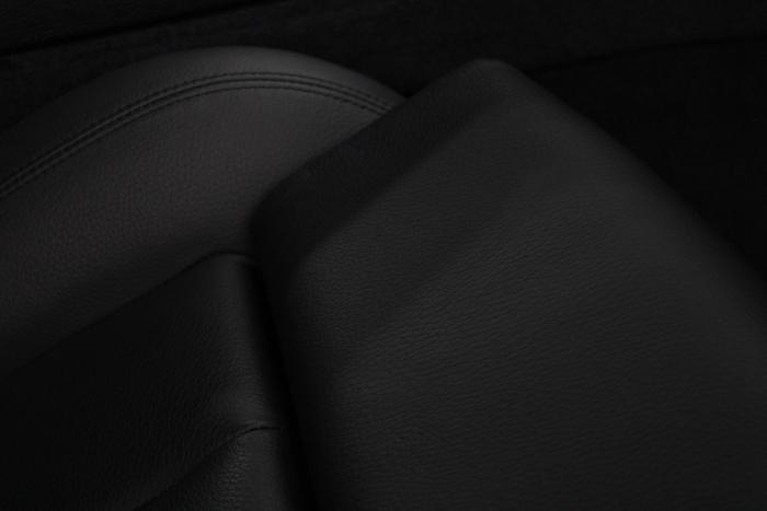 BMW 640iグランクーペ アルピンホワイト 運転席 座面