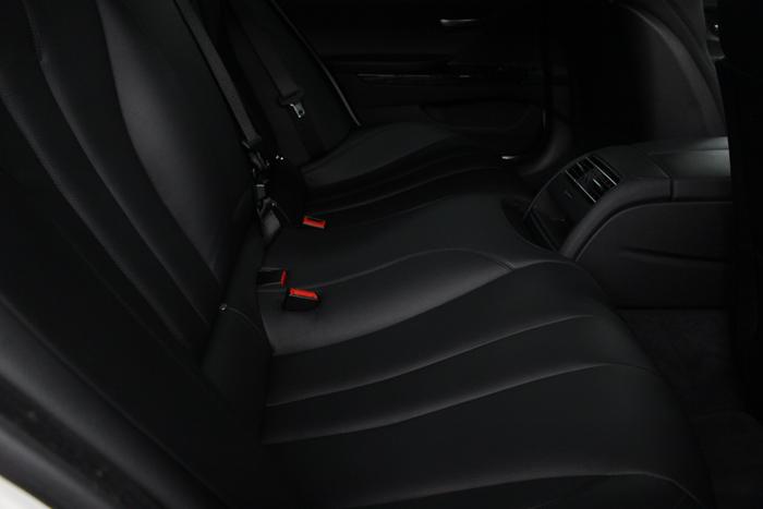 BMW 640iグランクーペ アルピンホワイト シートコーティング リアシート 座面