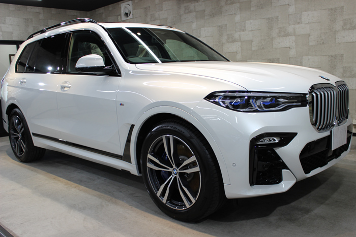 BMW X7 ミネラルホワイト ホイール右
