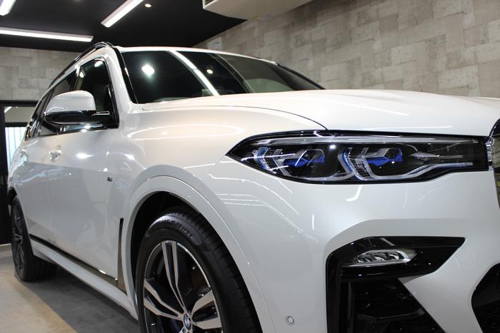 BMW X7 ミネラルホワイト ヘッドライト