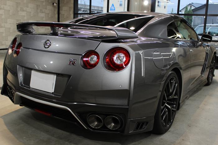 日産 GT-R ダークメタルグレー マフラー
