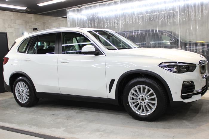 BMW X5 アルピンホワイト 右ドア