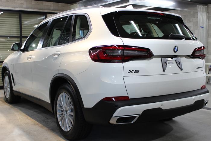 BMW X5 アルピンホワイト リアバンパー