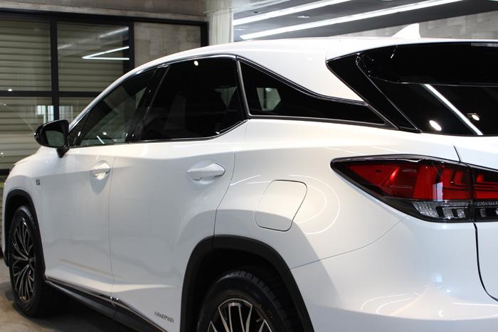 レクサス RX450h ホワイトノーヴァガラスフレーク 左ドア