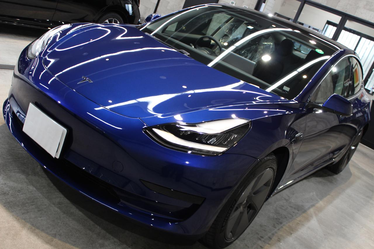 テスラ モデル3 ディープブルーメタリック トップ画像
