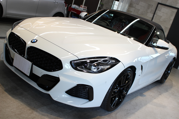 BMW Z4 アルピンホワイト ボンネット左