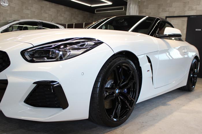 BMW Z4 アルピンホワイト 左フェンダー