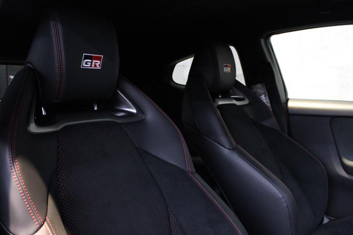 トヨタ GRヤリス エモーショナルレッド シートコーティング 運転席