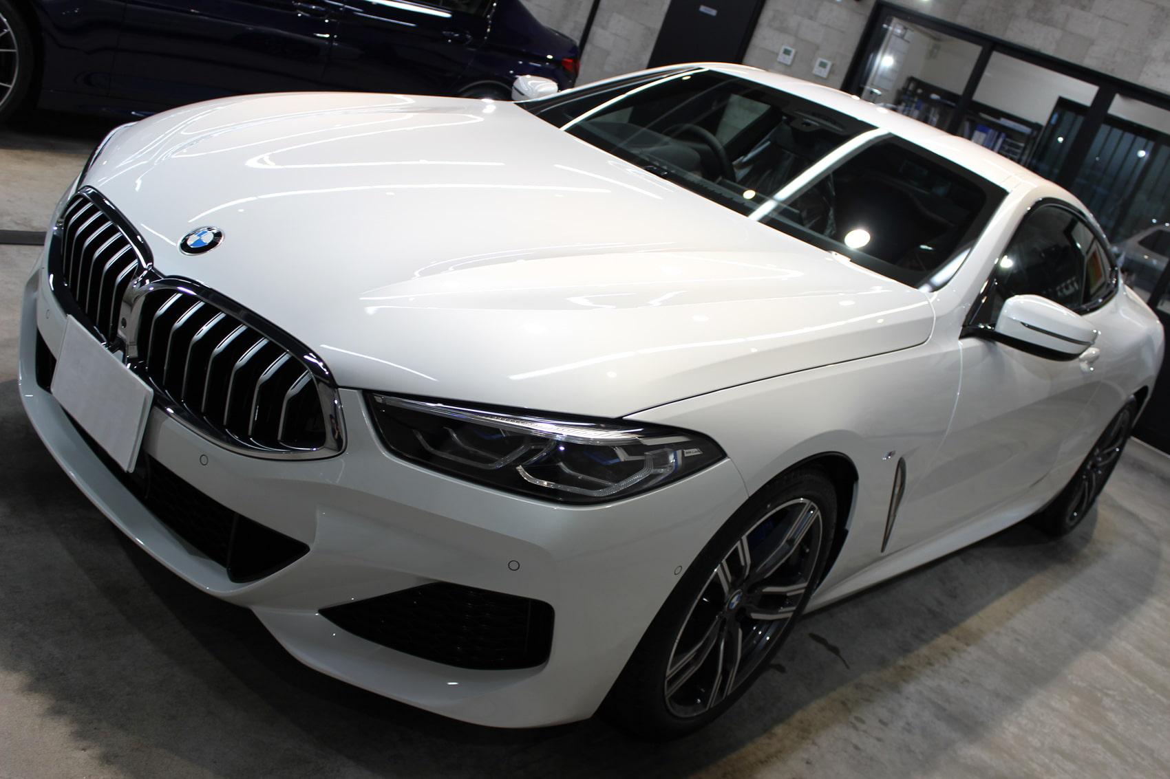 BMW 840iクーペ ミネラルホワイト ボンネット左