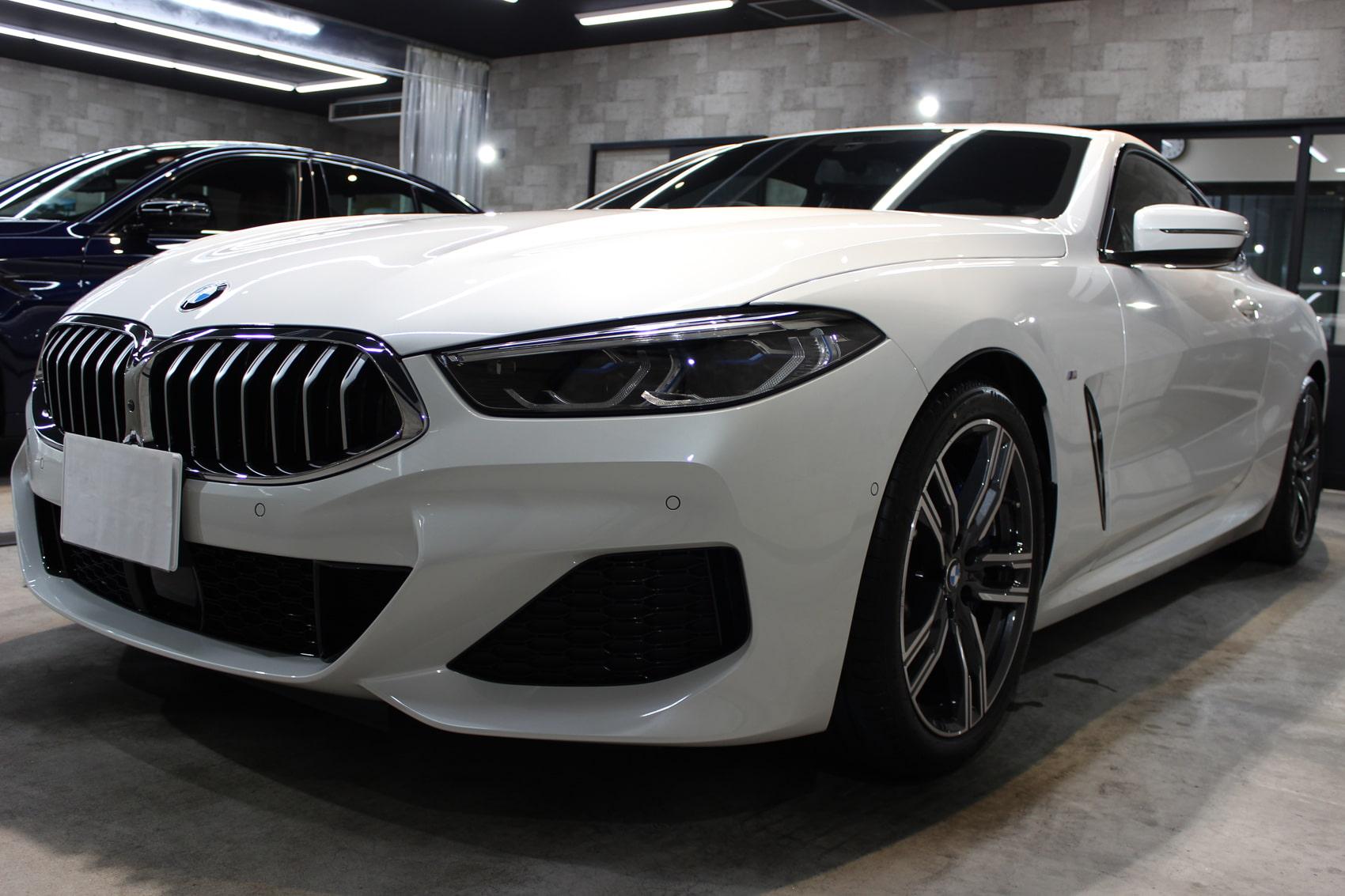 BMW 840iクーペ ミネラルホワイト フロントバンパー左