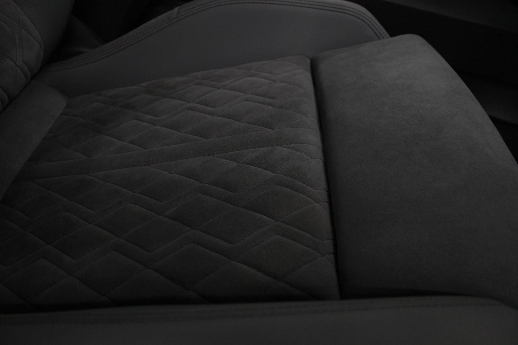 アウディ S3スポーツバック シートコーティング アルカンターラ