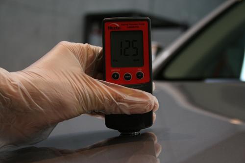 カーコーティング 下準備 膜厚計による塗膜の計測