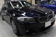 BMW523iカーボンブラック右正面
